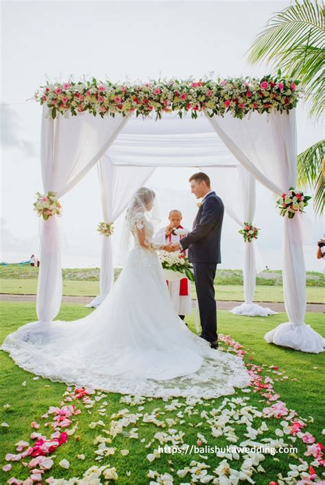 Wedding Blessing Holidays by Inn Resort Baruna Bali Bali Shuka Wedding