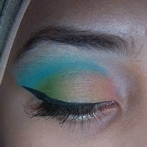 Wardah White Eyeliner beautiful hijabi