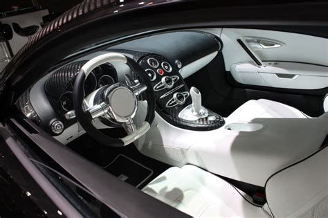 Bugatti Veyron Interior Images by Cool Cars Bugatti Veyron Interior