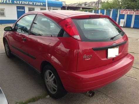 Sell Used 2001 Ford Focus Zx3 Hatchback 3 Door 2 0l In