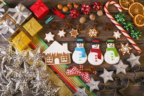 come decorare tavola di natale come decorare la tavola di natale con i biscotti la