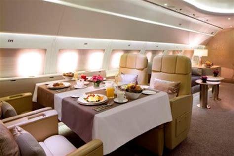 emirates private jet emirates lanceert luxury private jet service