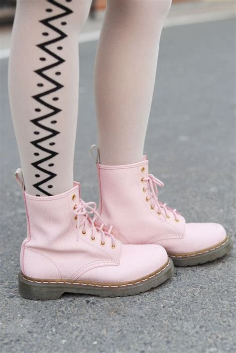 light pink doc martens 1000 images about docs and chucks and other fashion fun