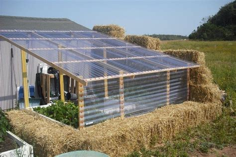 Build a straw bale greenhouse!   DIY projects for everyone!
