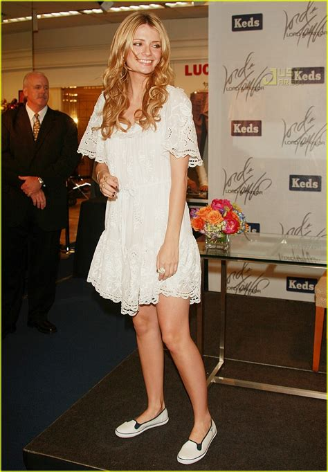 Mischa Bartons Eyelet Dress At Keds For Lord by Mischa Barton Is A Shoe Saleswoman Photo 453281 Mischa