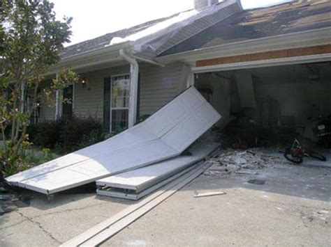 Hurricane Garage Doors by Hurricanes Don T Stand A Chance Against A Properly