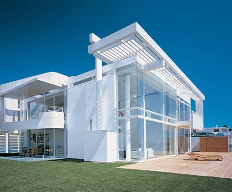 luxury houses oceanfront design with white