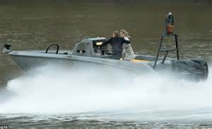thames river cruise james bond james bond daniel craig films spectre chase on the river