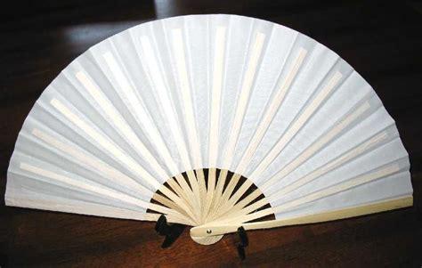 how to a silk fan white silk fan