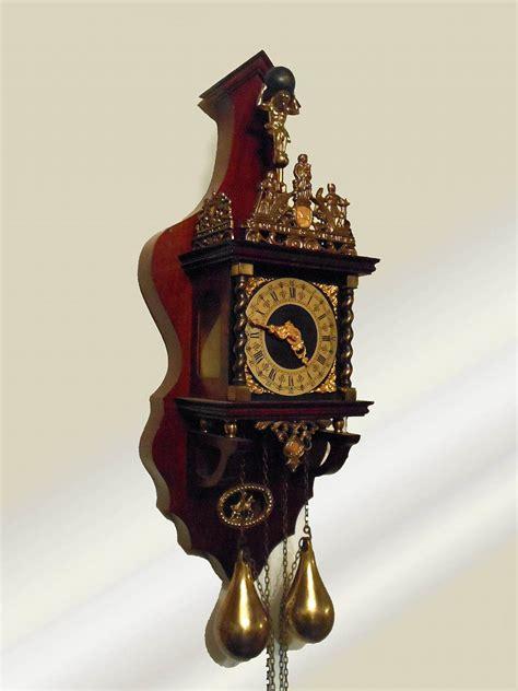 sgabello olandese orologio olandese a coda funzionante antiquariato su