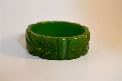 leaf pattern bracelet carved bakelite leaf pattern bracelet from