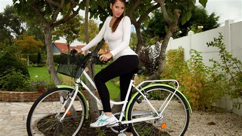 Wallpaper Girl On Bike | girl on bike wallpapers and images wallpapers pictures