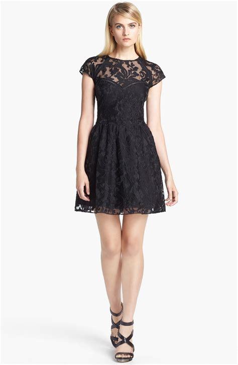 Dress Vita Merah 1 dolce vita embroidered organza fit flare dress in black lyst