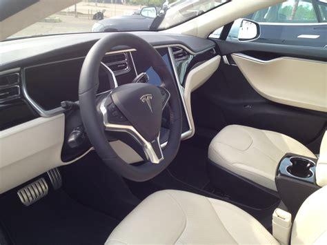 Tesla Grey Interior Capsule Review Tesla Model S 24 Cars Blue Sky