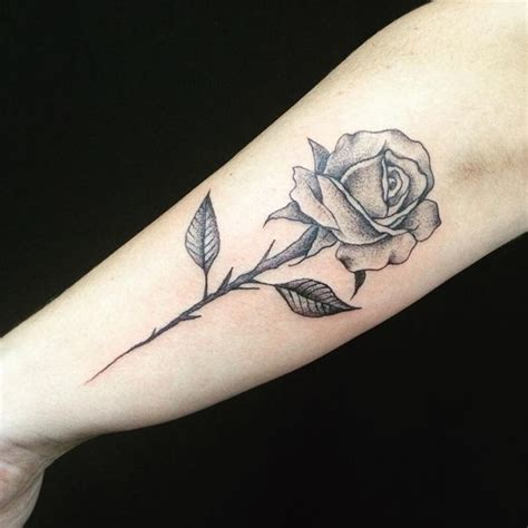 simple rose tattoos on thigh 25 best ideas about black tattoos on