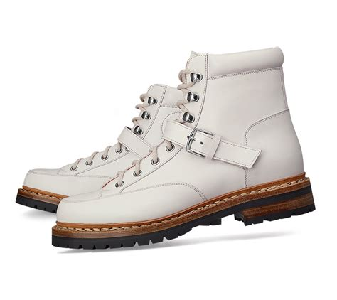 herm 232 s hiking in white lyst