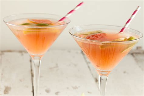 martini grapefruit spicy grapefruit cocktail ohmydish com