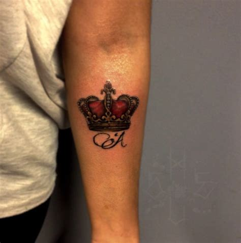 red crown tattoo 32 beautiful crown tattoos fit for royalty tattooblend