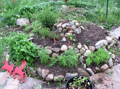 how to build an herb garden how to build a herb spiral
