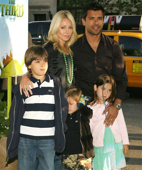 pictures of kelly ripas children kelly ripa mark consuelos and the family famous couples