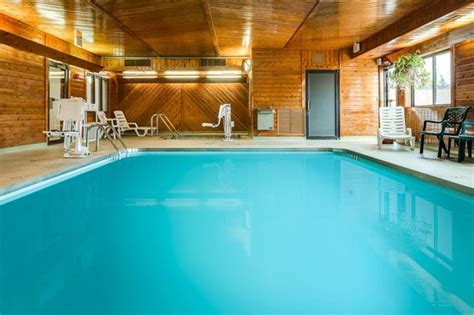 comfort inn sheboygan heated indoor pool and hot tub picture of quality inn