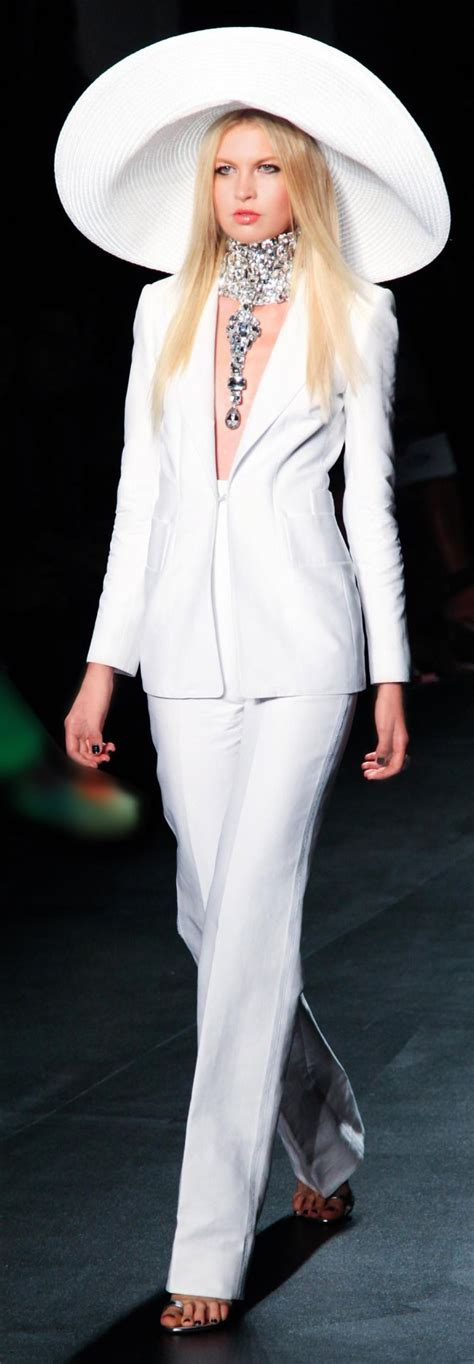 Ophelia Fancy Catwalk Pictures by 25 Best Ideas About White Pantsuit On Pant