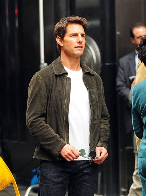 Tom Cruise Attacks Nyc tom cruise photos photos tom cruise oblivion in
