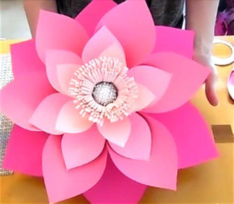 hawaiian paper flower tutorial mama s gone crafty how to make giant hawaiian paper flowers
