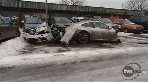 porsche 959 crash car crash 18χρονος διαλύει μια porsche 911 4