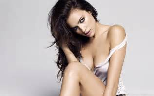 Irina shayk hot wallpapers hd wallpaper pictures to pin on pinterest