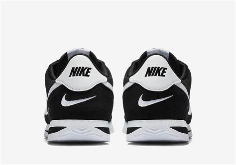 Nike Swoosh Mini nike cortez mini swoosh 902803 003 sneakernews
