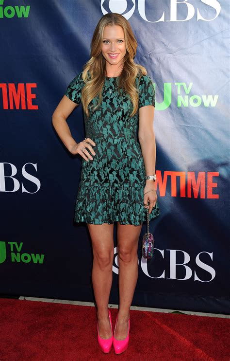 aj cook poses in the press room at the 2015 canadian screen awards a j cook cbs cw and showtime summer 2014 tca tour