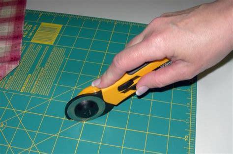 Cutter Pemotong Kain Fitinline Memotong Bahan Kain Dengan Rotary Cutter