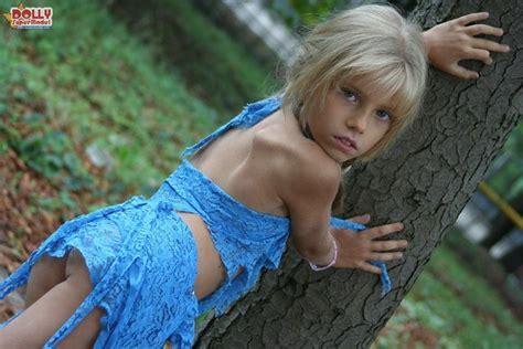 Dolly Supermodel Nude Hot Girls Wallpaper