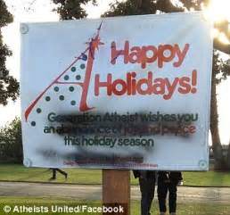 atheist s protest of holiday decorations forces santa