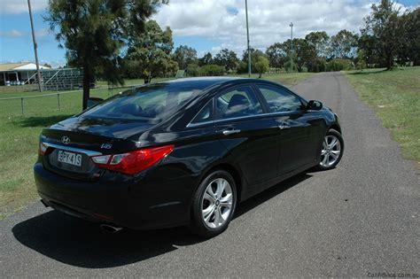 hyundai i45 australia 2011 hyundai i45 review caradvice