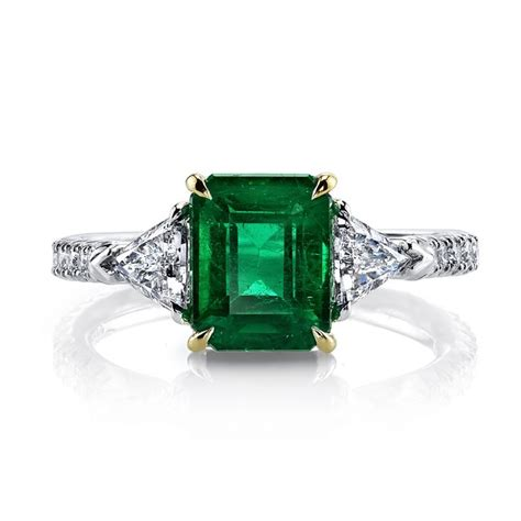 emerald cut engagement ring with trapezoid side stones