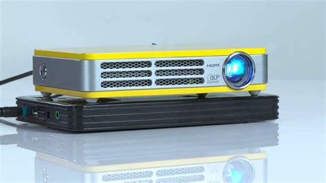 Mini Proyektor Qumi qumi q5 mini projector mini projector