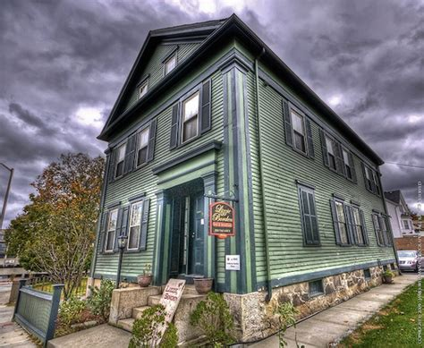 lizzie borden bed and breakfast 8 creepy hotels in the u s oddee
