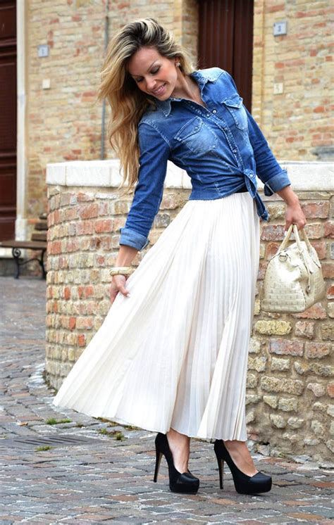 pleated skirt idea 1 wear a pleated maxi skirt