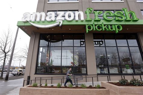 amazon retail amazon continues to experiment with physical retail stores