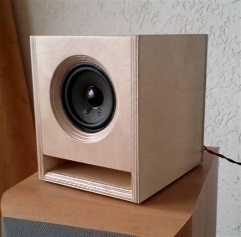 pin  speakers