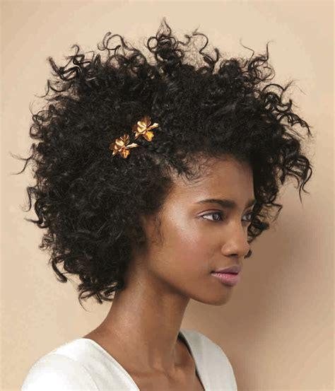 Wedding Hairstyles For Curly Afro Hair by Penteados Para Casamento Para Cabelo Curto E Crespo