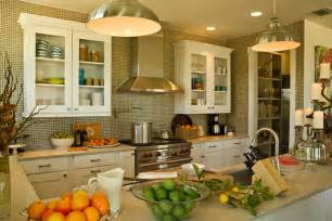 u shaped kitchen with peninsula hgtv pictures amp ideas hgtv welcome sunshine home 2011 hgtv dream home giveaway