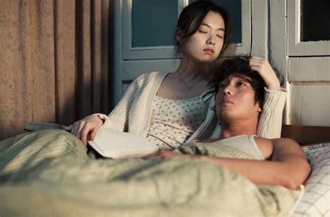 film korea romantis untuk dewasa 5 film korea selatan romantis yang patut ditonton saat