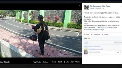 Wanita Gendong Bayi Viral ibu penjual sapu ini buta jualan sambil gendong bayi