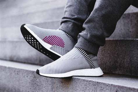 Paket Sepatu Adidas Nmd R2 Black And Eqt Black preview adidas nmd city sock 2 grey black le site de