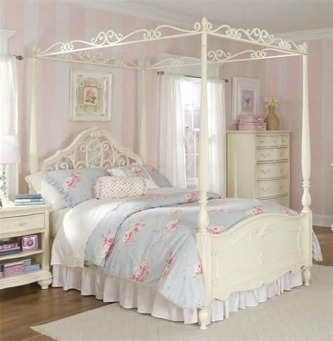 canopy bedroom sets lea mcclintock 5 canopy bedroom set in white beyond stores