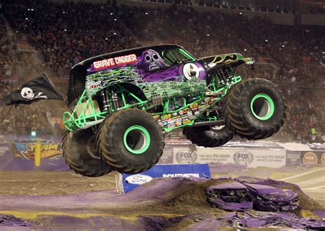 show monster trucks monster jam truck show returning to allentown s ppl center