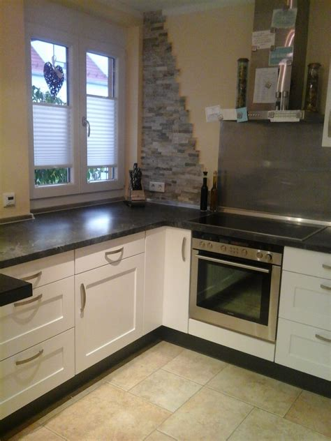 Küchenfronten Austauschen Kosten by Natursteinwand Wohnzimmer
